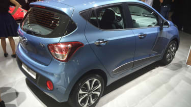 Hyundai i10 facelift - Paris rear three quarter