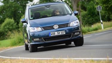 Volkswagen Sharan cornering front