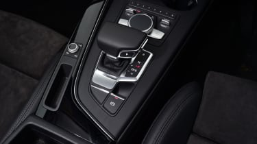 Audi A4 Allroad UK 2016 - centre console