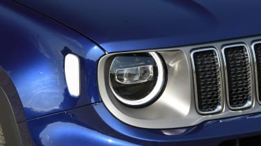 Jeep Renegade - headlight