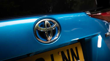 Toyota Prius AWD - badge