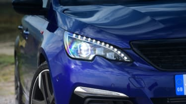 Peugeot 308 GTi - front light