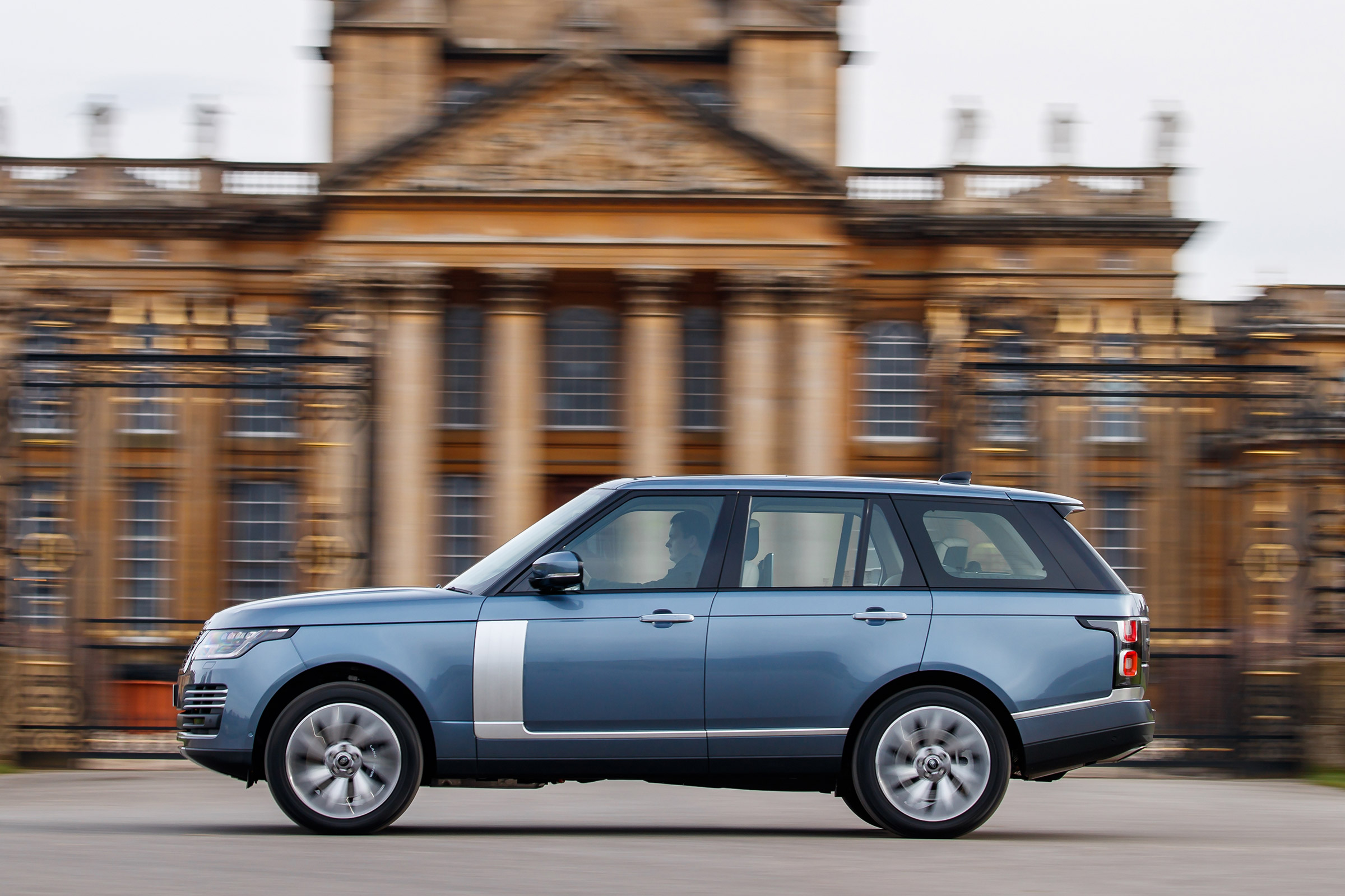 Range Rover Vogue review | Auto Express