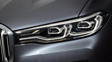 BMW X7 - headlights