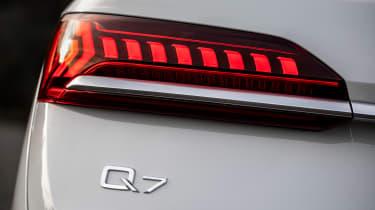 Audi Q7 60 TFSI e - rear light