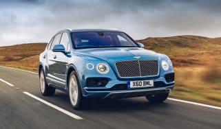 Bentley Bentayga Hybrid - front tracking