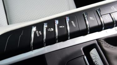 Porsche Macan - buttons