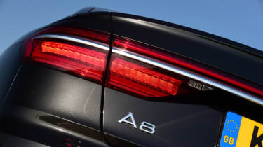 Audi A8 55 TFSI - rear light