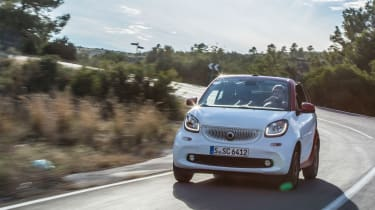 Smart ForTwo Cabrio 2016 - front tracking 4