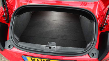 Audi TTS Roadster 2016 - boot
