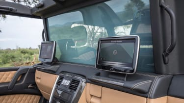 Mercedes-Maybach G 650 Landaulet - screens