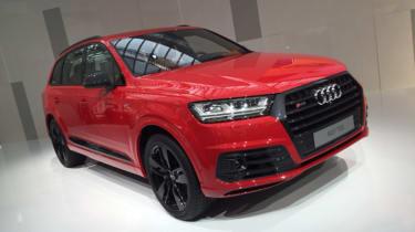 Audi SQ7 red - front quarter