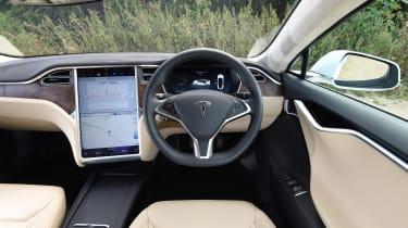 Tesla Model S 60D 2016 - interior