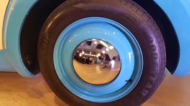 Morris JE - reveal wheel