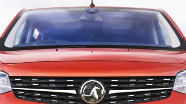 Vauxhall Vivaro Life 2019 grille