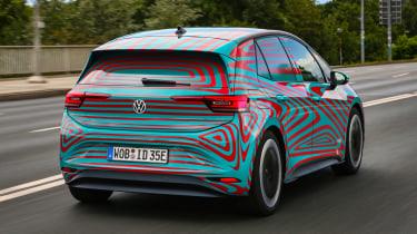 Volkswagen ID.3 vs Volkswagen e-Golf - rear action