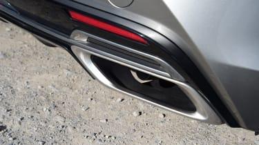 Lexus LC - exhaust