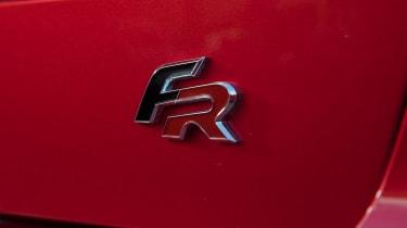 SEAT Arona FR - badge