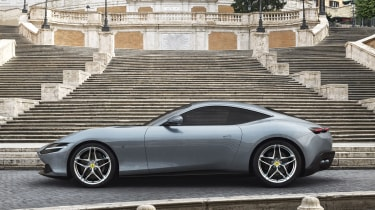 Ferrari Roma - side