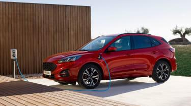 Ford Kuga - charging