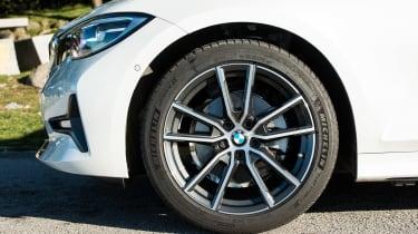 BMW 320d - wheel