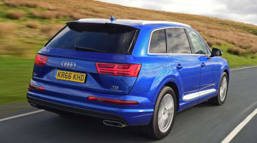 Used Audi Q7 - rear action