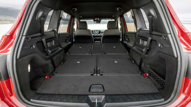 Mercedes-AMG GLB 35 - boot seats down
