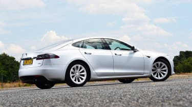 Tesla Model S 75D - rear static