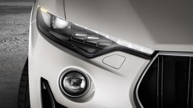Maserati Levante GTS - headlight