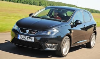 SEAT Ibiza FR front tracking