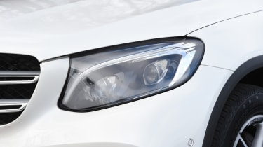 Mercedes GLC 350d 2017 - headlight