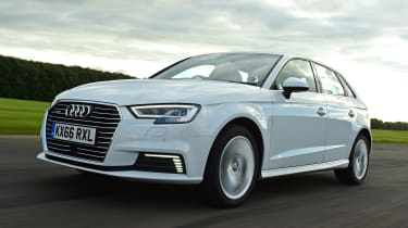 Audi A3 e-tron - front tracking