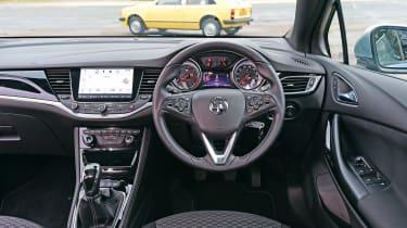 Vauxhall Astra - Mk7 dash