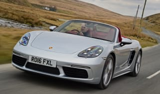 New Porsche 718 Boxster 2016 - front tracking 2