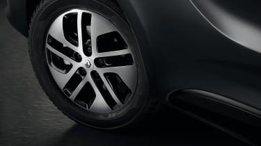 Renault Trafic SpaceClass van - wheel