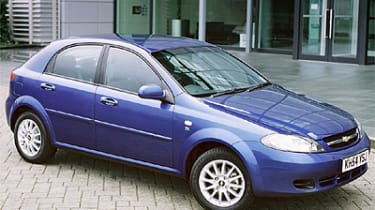 Chevrolet Lacetti Hatchback Review 2005 2011 Auto Express