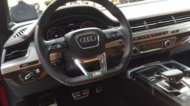 Audi SQ7 red - interior