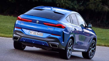 BMW X6 - rear cornering