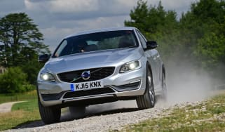 Volvo S60 Cross Country 2015 - off road