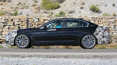 BMW 5 Series facelift - spyshot 4