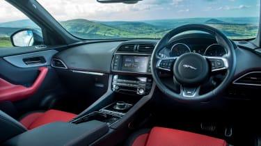 Jaguar F-Pace 3.0d V6 S - interior