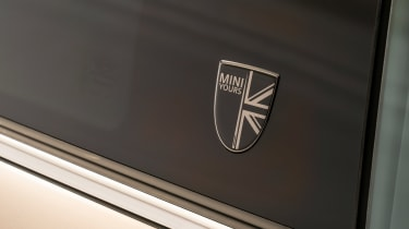 MINI 3-door hatch facelift - badge