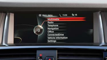 BMW X4 M40i - infotainment