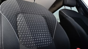 Ford Fiesta - front seat detail