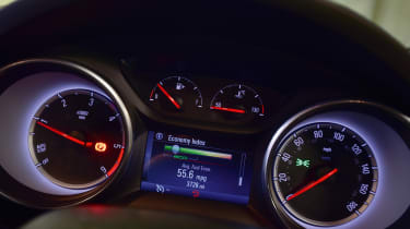 Vauxhall Astra dials