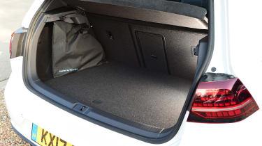 Volkswagen Golf GTE 2017 - boot