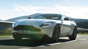 Aston Martin DB11 V8 - front action
