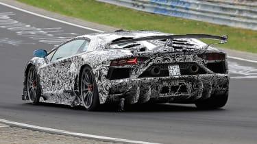 Lamborghini Aventador SVJ - spyshot side/rear action
