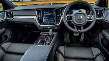 Volvo V60 T8 Twin Engine - dash