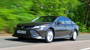 Toyota Camry - front tracking